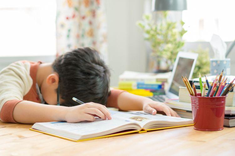 5 Tips Mengatasi Anak Bosan Belajar di Rumah dari Psikolog